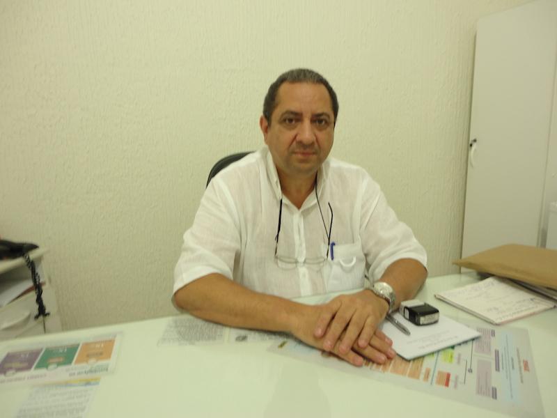 Na avaliação do geriatra, Dr. Luiz Roberto, a aproximação dos familiares aos idosos e a consequente elevação da autoestima estão entre os benefícios dos trabalhos manuais na melhor idade