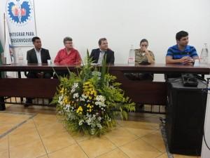 Mesa composta para a Solenidade: vereadores Geraldo Messias e Luis Carlos, Michel Renan, Sargento Simone da Silva e Bruno Dixini Carvalho