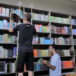 Estudantes e livros