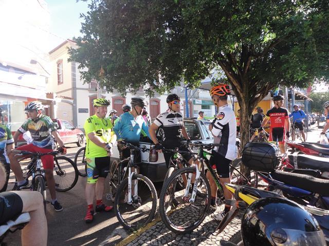 Trespontanos realizam Pedal Solidário de Páscoa