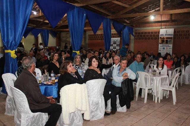 Mesa convidados Festa Amizade Rotary Três Pontas