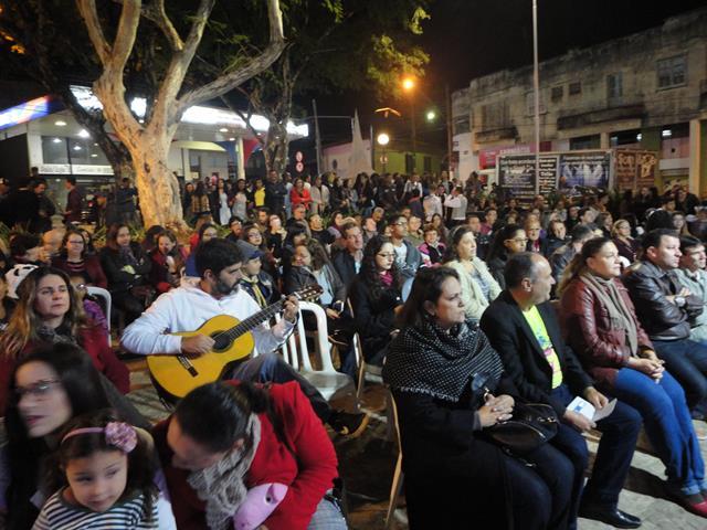 Música na Praça de Três Pontas Festival Canto Novo