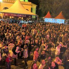 Festival de música Canto Aberto público povo na praça