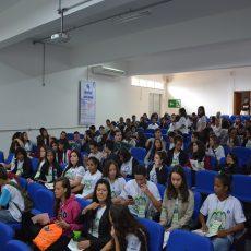 alunos no parlamento jovem