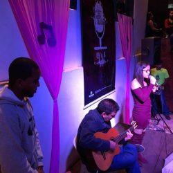 Sarau Festivais do Brasil artistas no palco